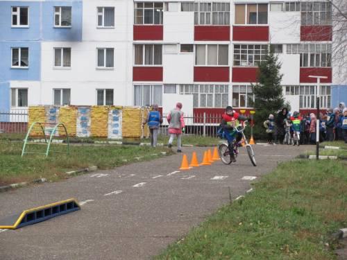 Городские соревнования велосипедистов